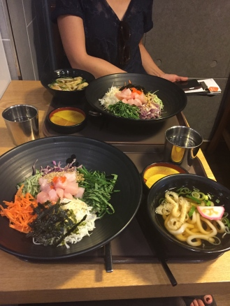 Hoedeopbap (회덮밥) for lunch. It's a korean dish of mixed vegetables, rice and sashimi (raw fish cutlets). Soooo good. But it's ok, Aunt EJ, you still make the best Hoedeopbap ;)