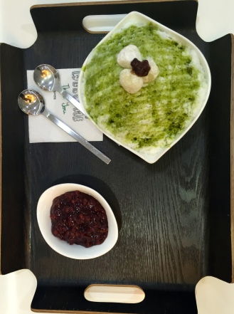 more patbingsu. Green tea flavored! I am surprised at how expensive the bingsu is here! A lot more expensive than our meals...but worth it!