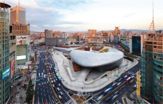 I obviously did not take this photo, but found it off the internet to show you how huge Dongdaemun is! It is the world's largest symmetrical building.