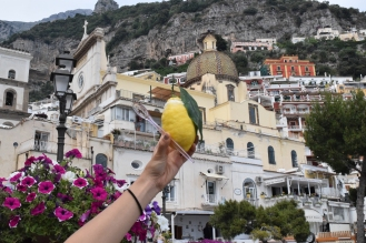 Amalfi Coast is known for its lemons--So we ordered lemon sherbert. The Italian guy was trying to speak to us in Korean!